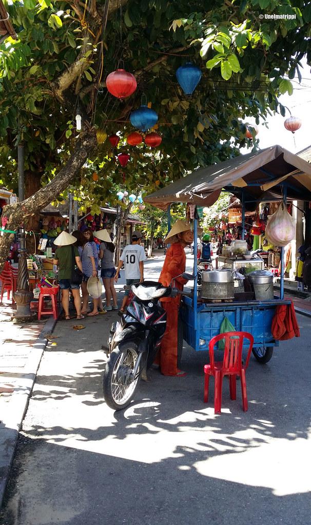 Liikkuva katukeittiö Hoi Anin kaduilla