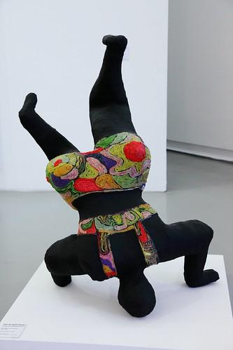 nana noire upside down de niki de saint phalle flickr photo sharing. Black Bedroom Furniture Sets. Home Design Ideas