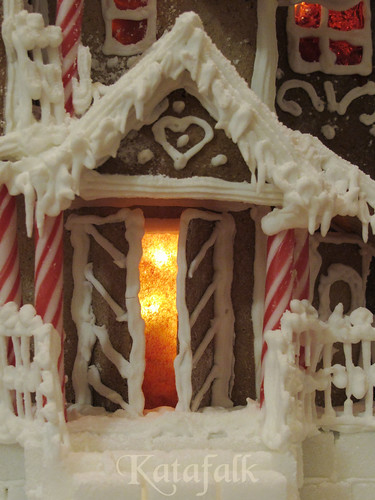 The 2016 gingerbread house - 13
