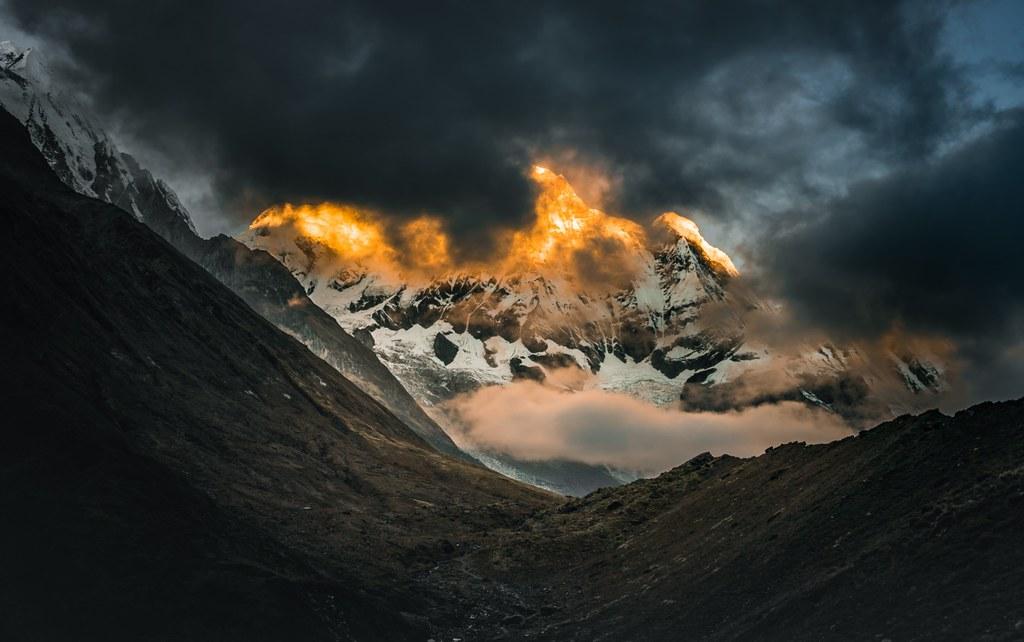 Eye-of-the-mountain-1200x752 (1)
