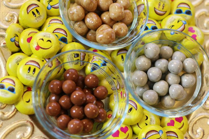 lindt-emoji-chocolate-smiley-faces-chocolates-7