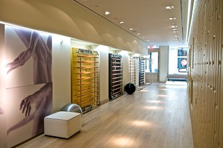 Gallery view technogym store nyc technogym store nyc for Arredamento palestra