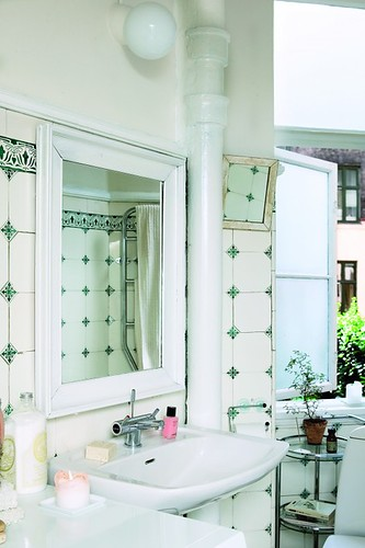 Ah, nice to see original tile these days... | by decor8