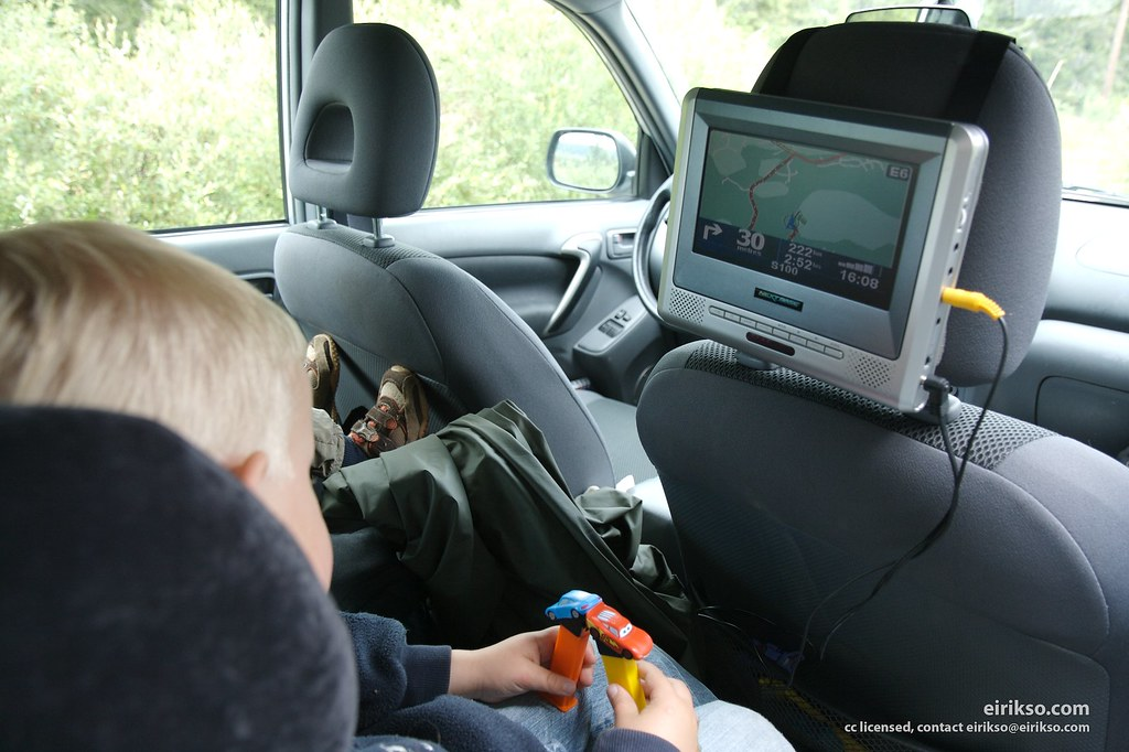 How to Keep Kids Occupied on a Family Holiday