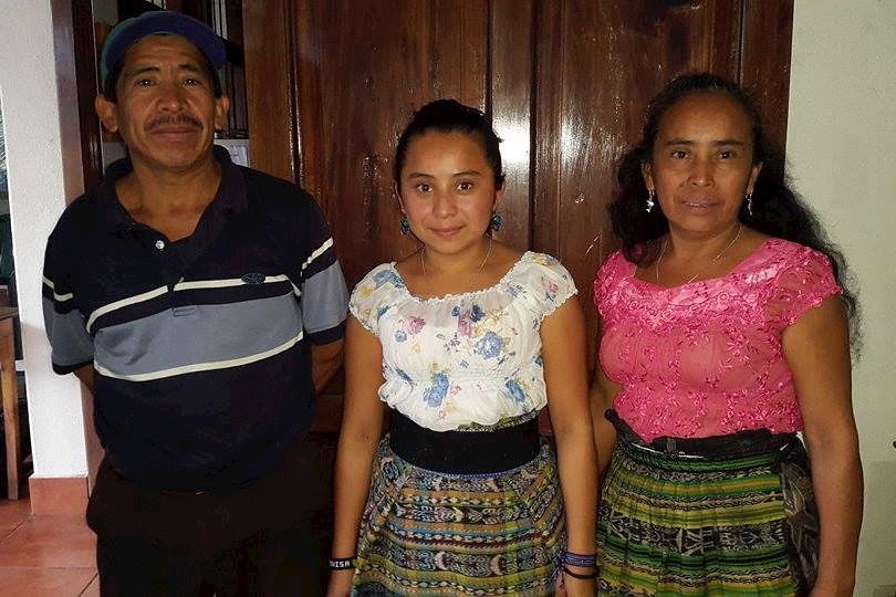 Dorly Maximina Tuch Puac y padres