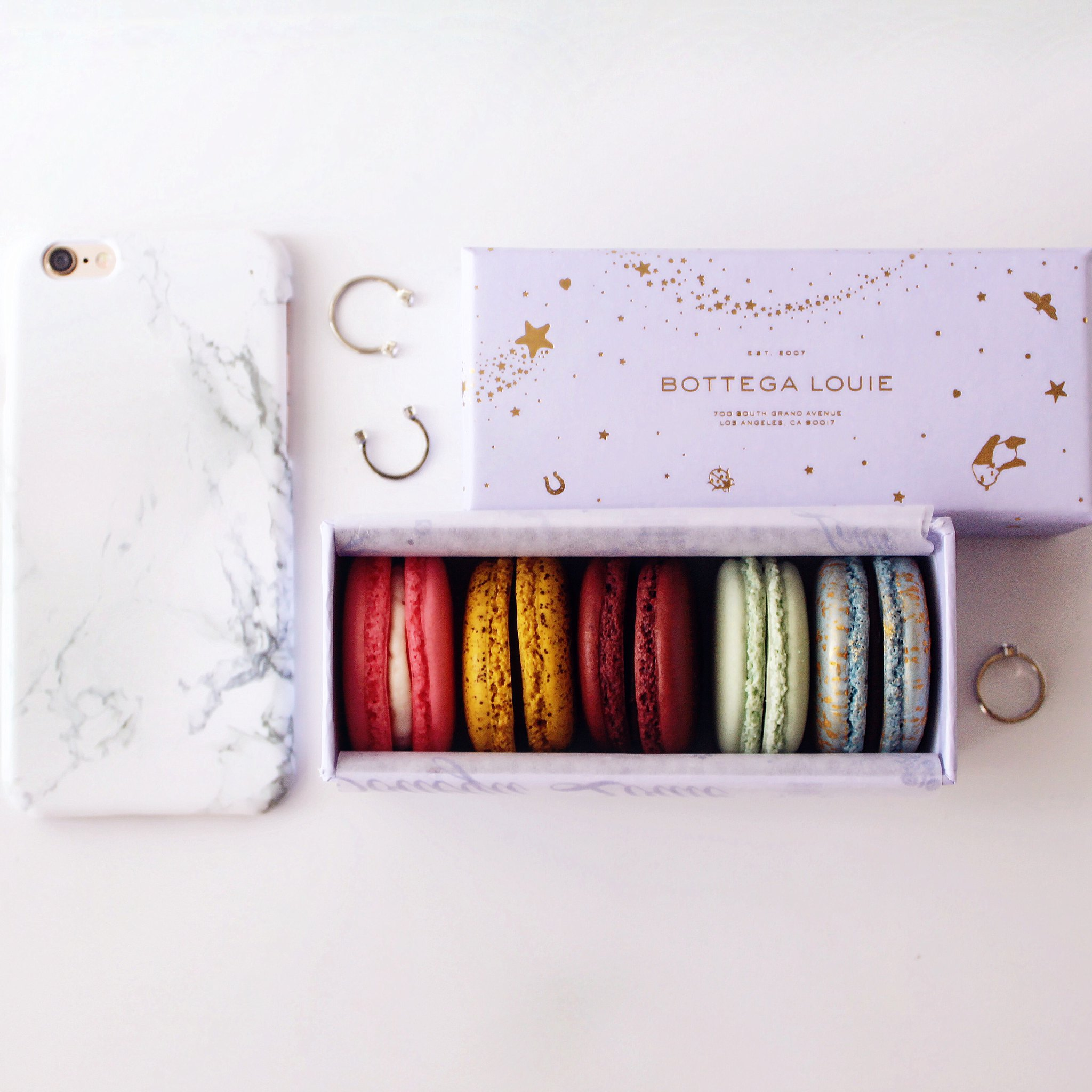 8716-bottega-louie-macarons