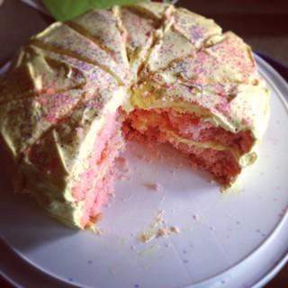 Birthday cake round 2 🍓🍋