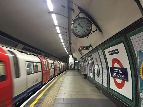 Tooting Broadway Underground station