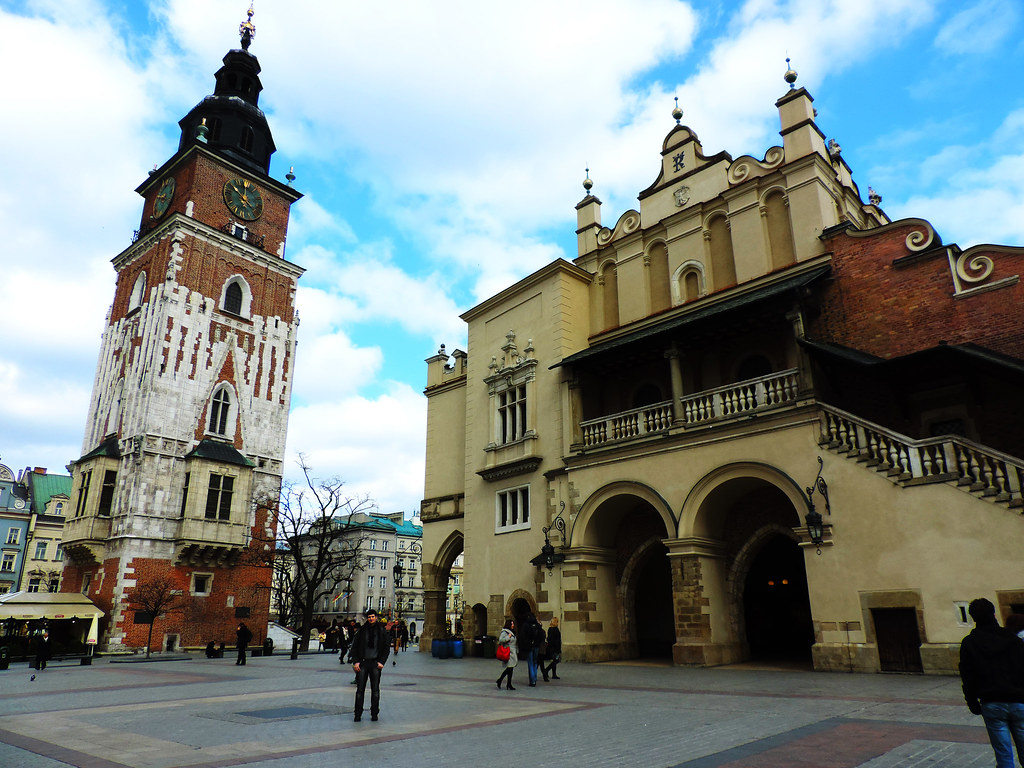 How To Create That Perfect Travel Itinerary: Main Square, Krakow
