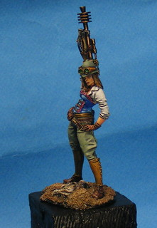 _STEAMPUNK_LADY_from_Castel_Miniatures_132_