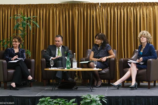 2011.05.10 Panel de discussion avec Rita de Santis, Jean la Couture et Sylvie Mercier modéré par Diane Bérard, Journal les Affaires