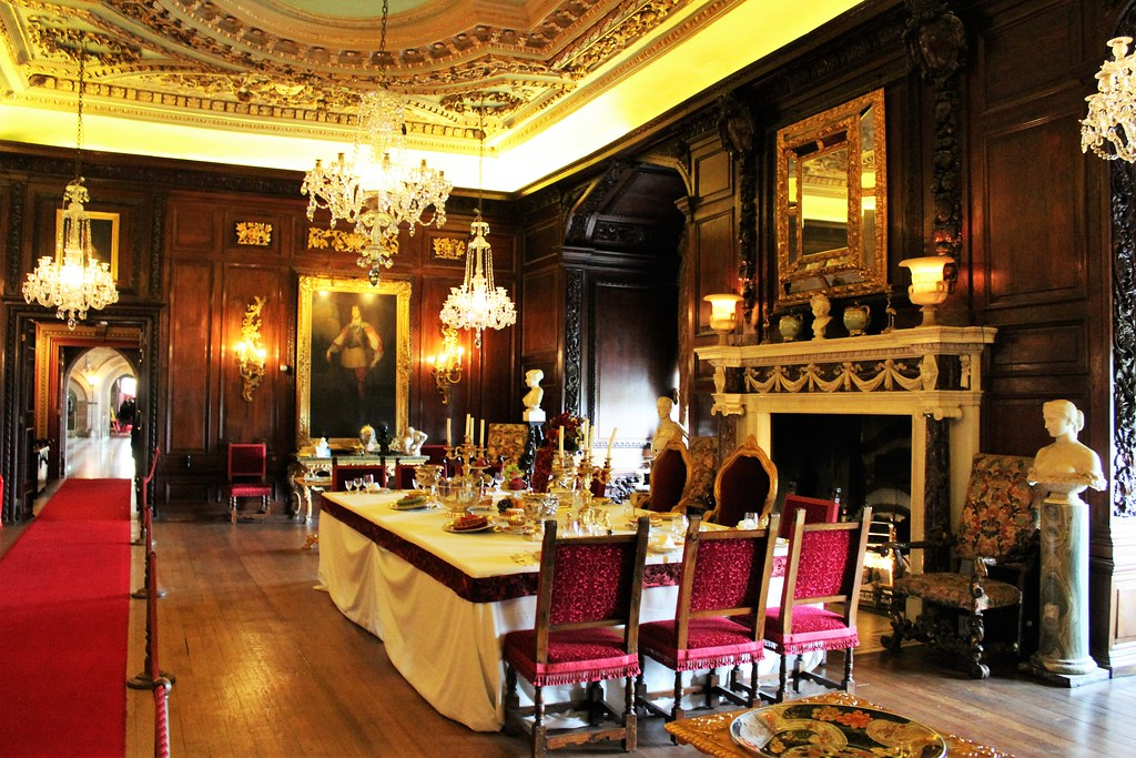 Cedar Drawing Room at Warwick Castle, England.