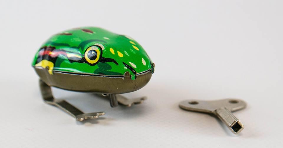 La grenouille sauteuse la plus sophistiquée du monde au musée DDR à Berlin - Photo DDR museum