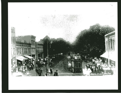 NORTH MAIN ST. SHOW DAY | by alamancelibraries