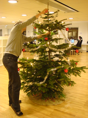 Martin decorating the christmas tree | by sophia bendz