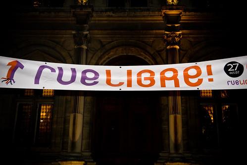 Rue libre 01 27oct07 paris france flickr photo for Paris libre