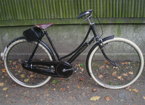Raleigh DL1 with Brooks B18 Saddle | by Lovely Bicycle!