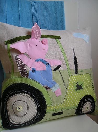 JOHN PIG tractor