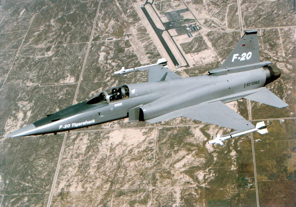 Aircraft_Fighter_Jet_F-5E_Tiger_II_Family_F-20_Tigershark_1