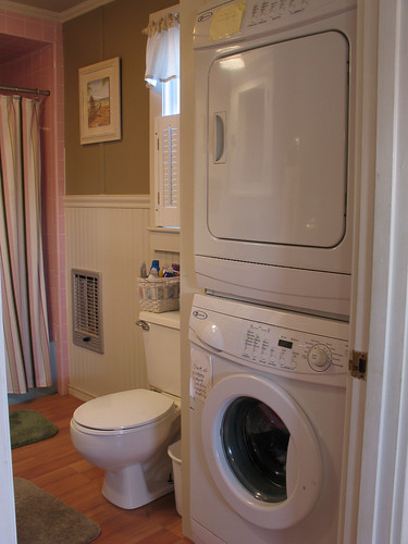 Washer and dryer in bathroom 28 images small bathroom for Bathroom design ideas with washer and dryer