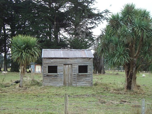 Old house, Makarewa, Southland, New Zealand | by brian nz