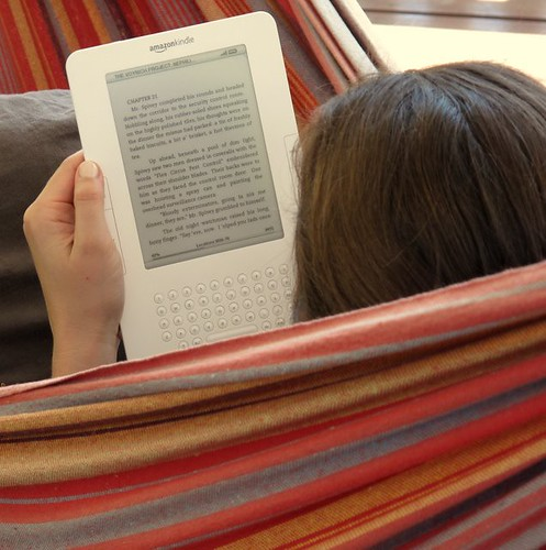 Reading my Kindle in the hammock | by TheCreativePenn
