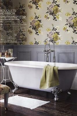 Gorgeous wallpaper so in love with this wallpaper for Vintage bathroom wallpaper designs