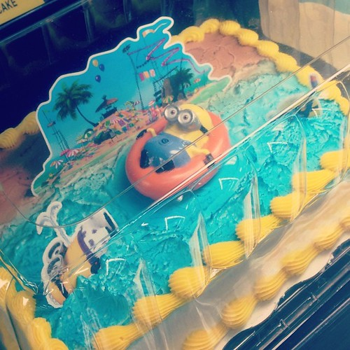 minion cake walmart despicable me minion thanks giving cake it s and fu 5934