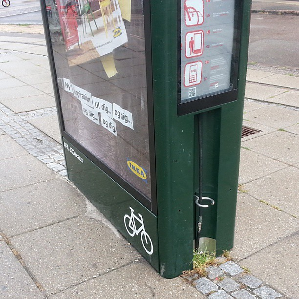 These bike pumps are pretty much standard at #Copenhagen train stations now