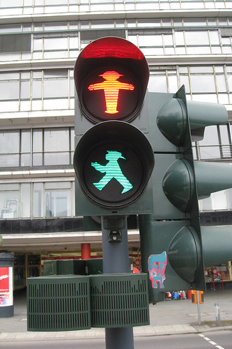 Traffic >> Berlin traffic lights | Stop and Go at the same time? | Flickr