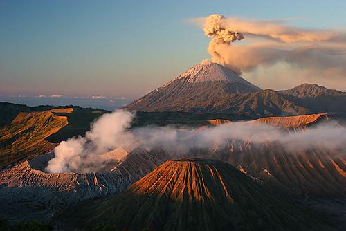 Bromo and Semeru at Sunrise | by hapulcu