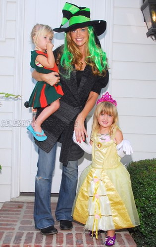 Denise Richards & Daughters, 2007 | by octoberlicious