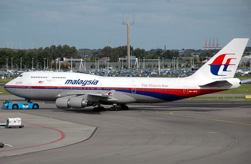 Malaysia Airlines 747-4H6 9M-MPO | by caribb