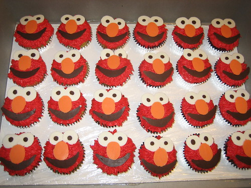 Elmo Cupcakes! White and red velvet cupcakes with buttercream frosting ...