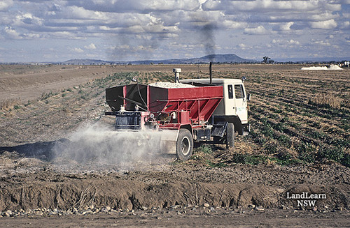 Lime spreading, Breeza NSW