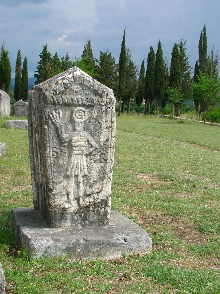 Bogomil grave monument