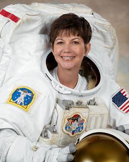 Astronaut Catherine G. Coleman, ISS flight engineer, NASA photo (29 July 2009) 9465838253_be43d62a06_n.jpg
