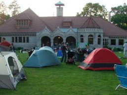 campout_on_great_lawn_of_pequot_library