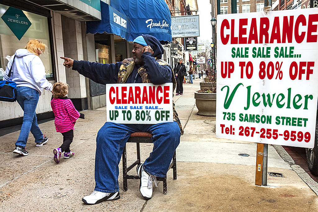 Clearance-at-V-Jeweler--Center-City