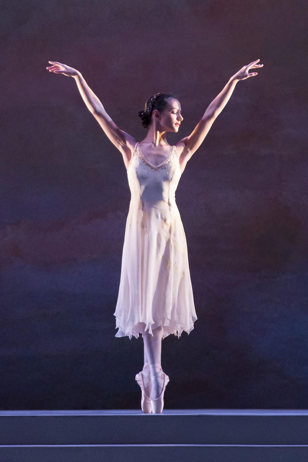 Francesca Hayward in Rhapsody, The Royal Ballet © ROH/Johan Persson, 2014