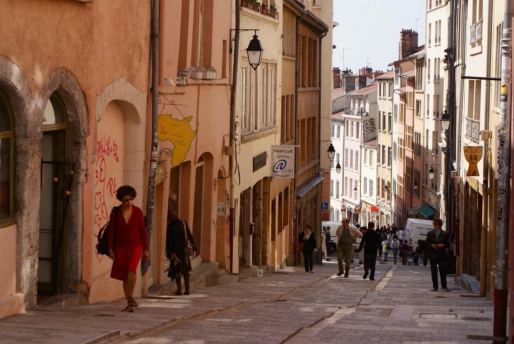 > Montée de la Grande Côte à Lyon : Pour rejoindre les Terreaux depuis le plateau de la Croix Rousse.