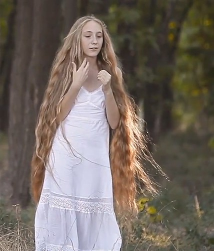 dreamy longhair girl 4708 Flickr  Photo Sharing! - Girl Curly Hairstyles