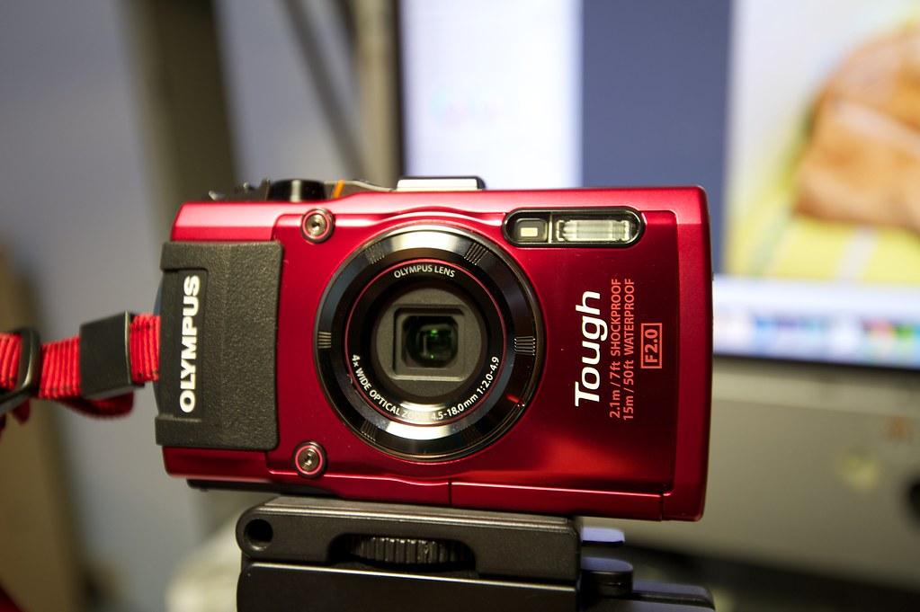 Olympus TG-3 -red