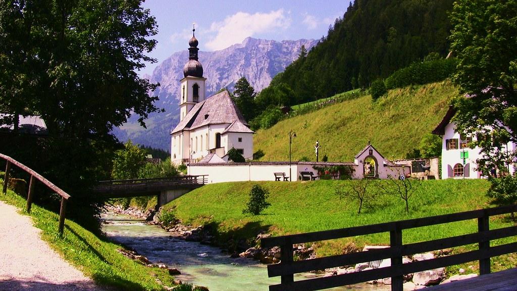Ramsau in Obb. bei Berchtesgaden , Blick auf die Dorfkirche -7/623b