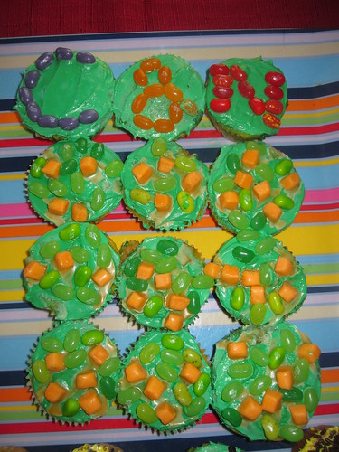 Peas & Carrots cupcakes | by CateyCate