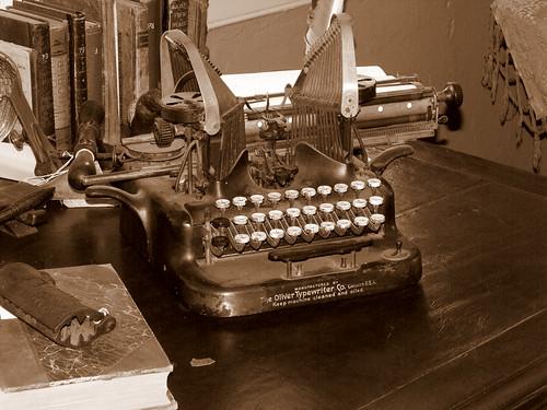 1907 Oliver Typewriter