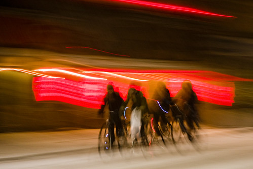 Spontaneous Drafting - Cycling in Winter in Copenhagen | by Mikael Colville-Andersen