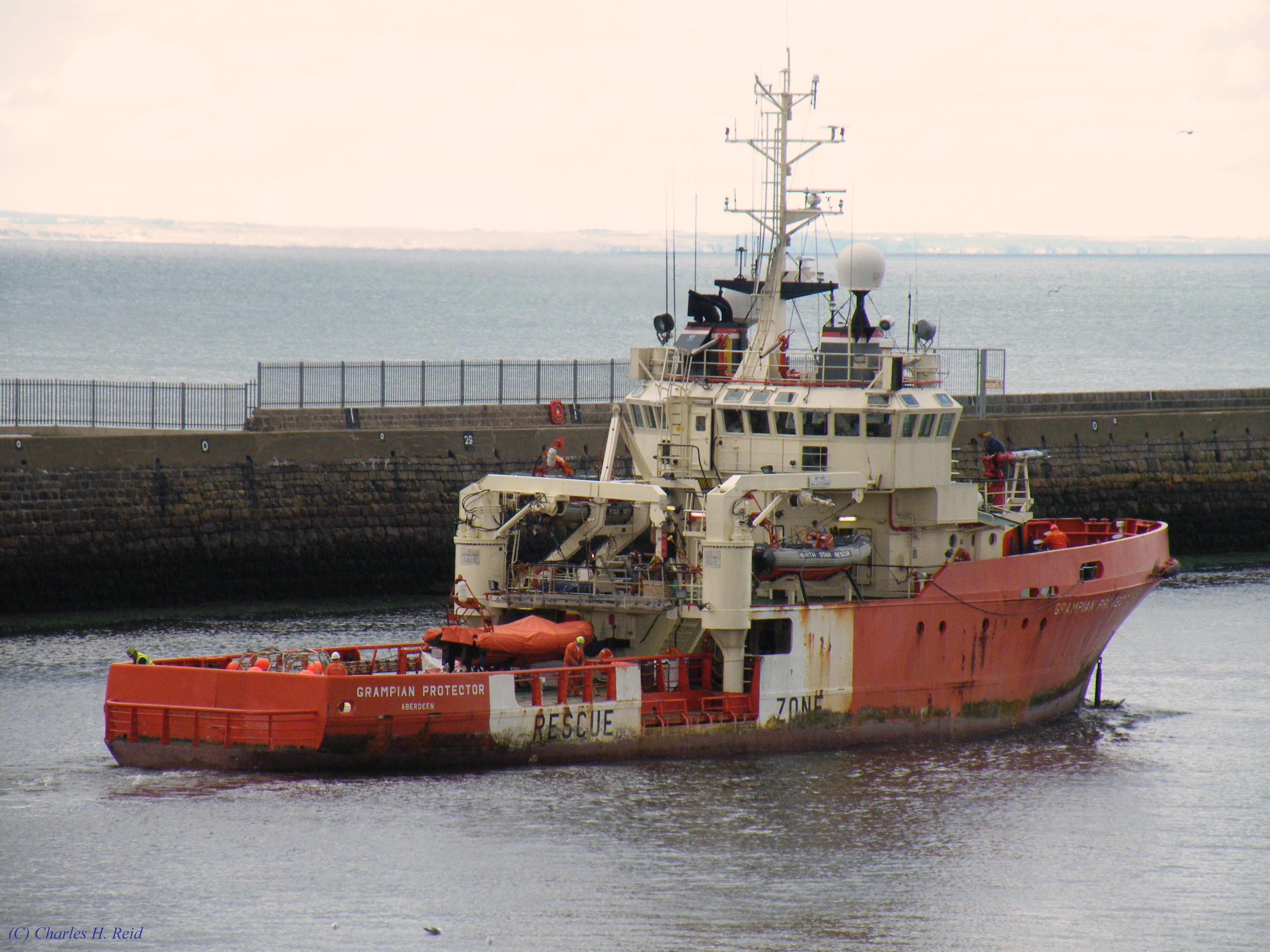 A bord d'un navire d'assistance aux plates-formes offshore 4639455669_714b739096_o