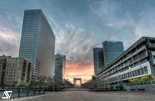 Ashen sky la d fense paris france hdr facebook googl flickr for Photographe la defense