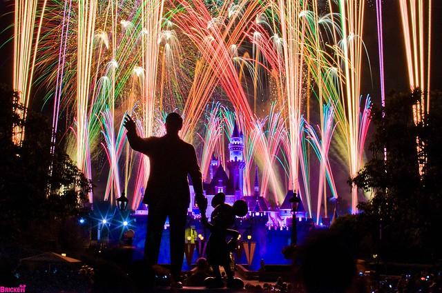 "Disneyland's Summer Nightastic Fireworks - ""Magical"" (78 second exposure)"